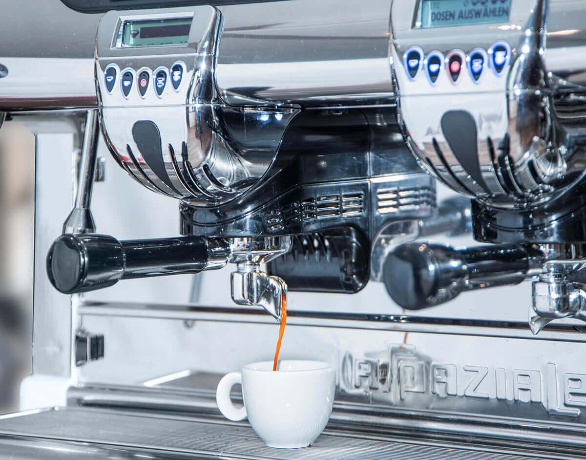 Kaffeemaschinen Weiß – Service – Leasing