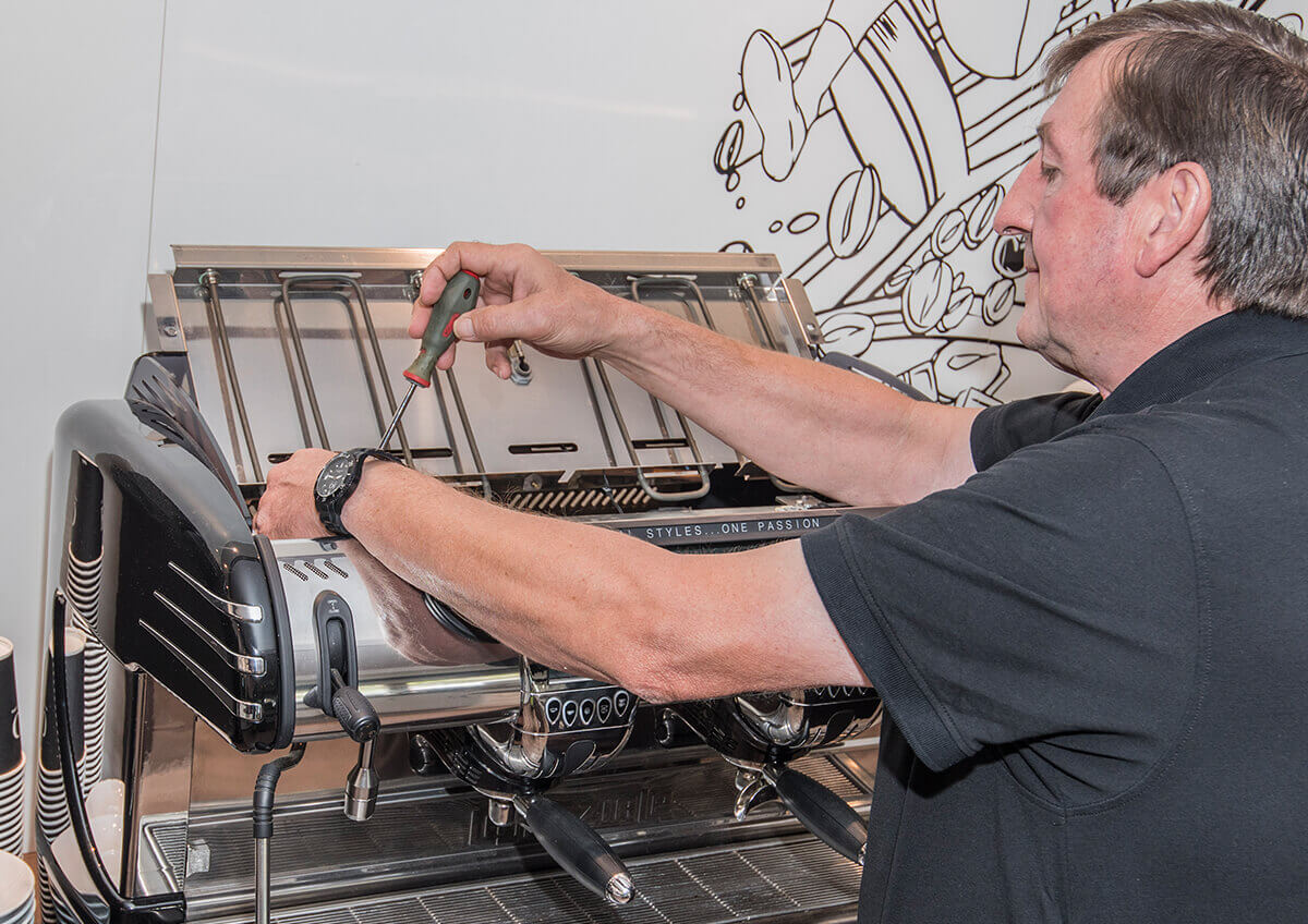 Kaffeemaschinen Weiß – Service Techniker